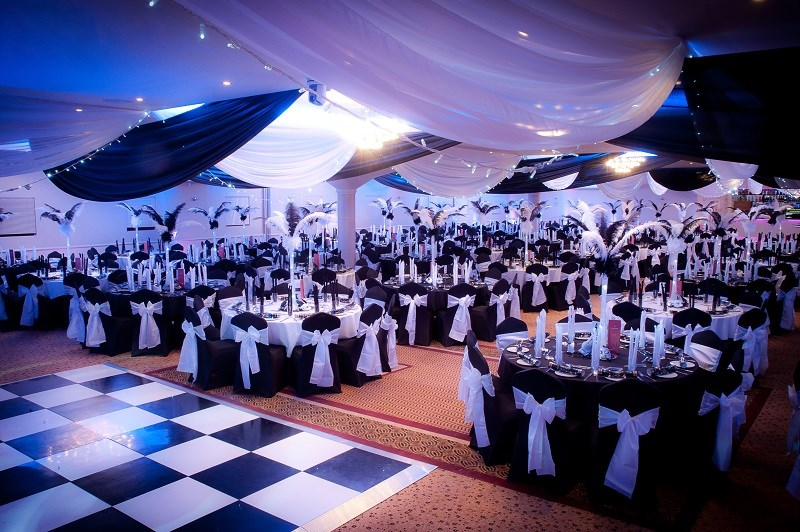 Black & White Masquerade Ball (1)